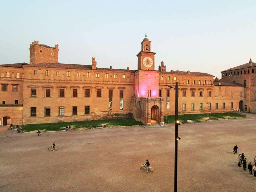 piazza-dei-martiri-carpi